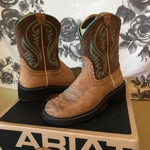 Ariat Fatbaby Heritage Collection Boots size 9